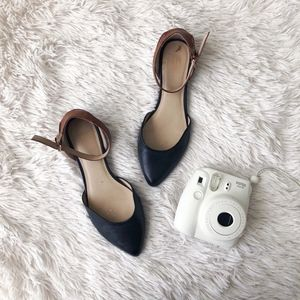 DOLCE VITA black+brown ankle strap pointed flats